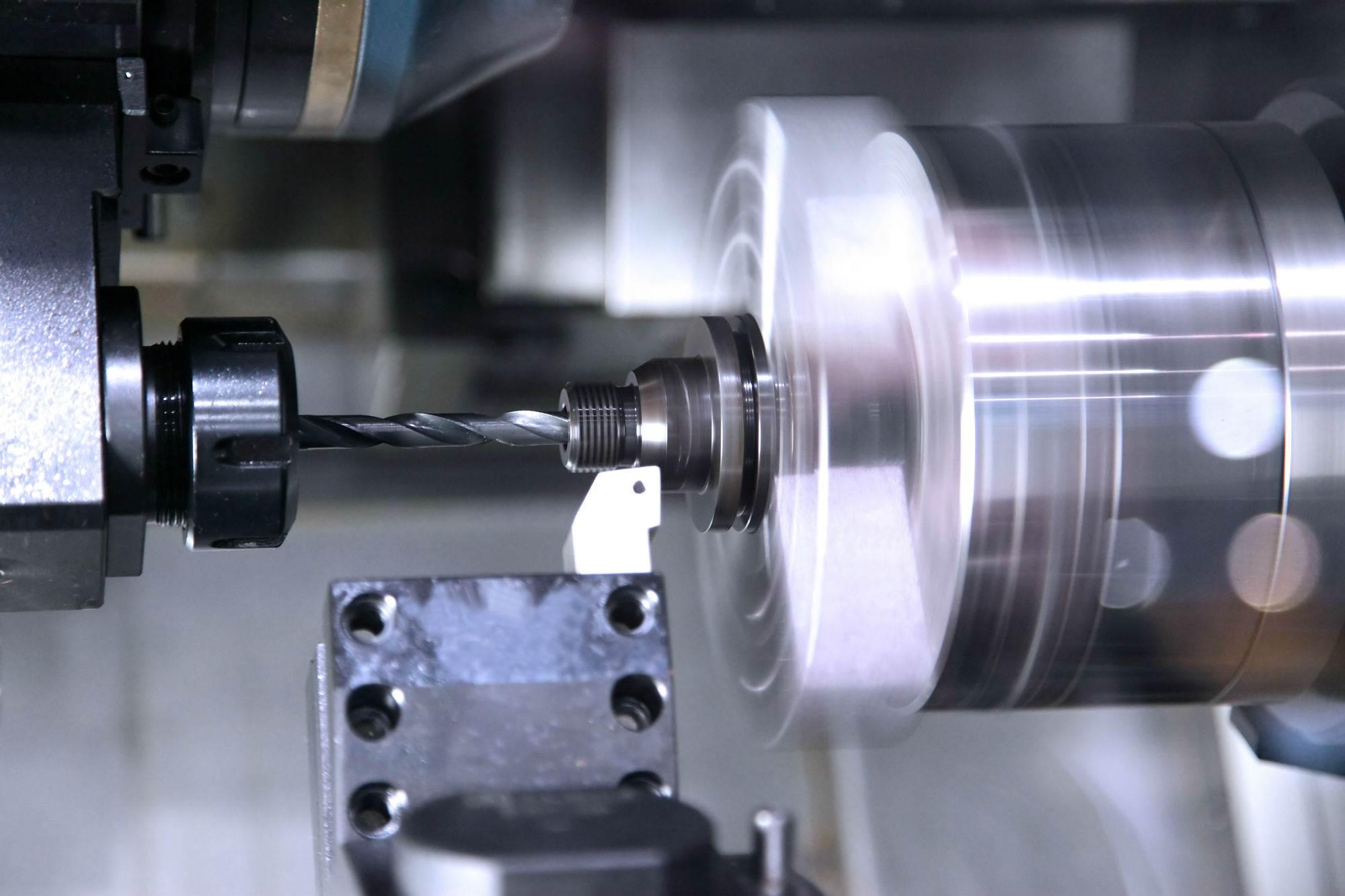 stalowe-wyroby-przemysłowe-tokarki-toczenie-cnc